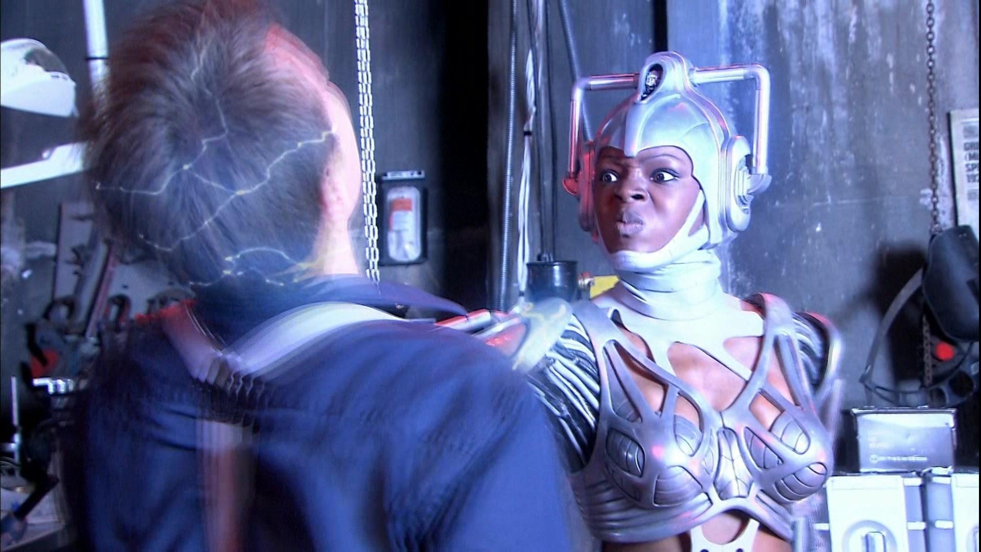 1x04-Cyberwoman-captain-jack-harkness-22964469-1920-1080